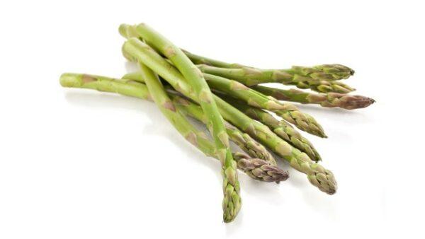Asparagi verdi e bianchi asparagi